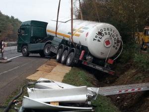 gekantelde-tankwagen-300x225